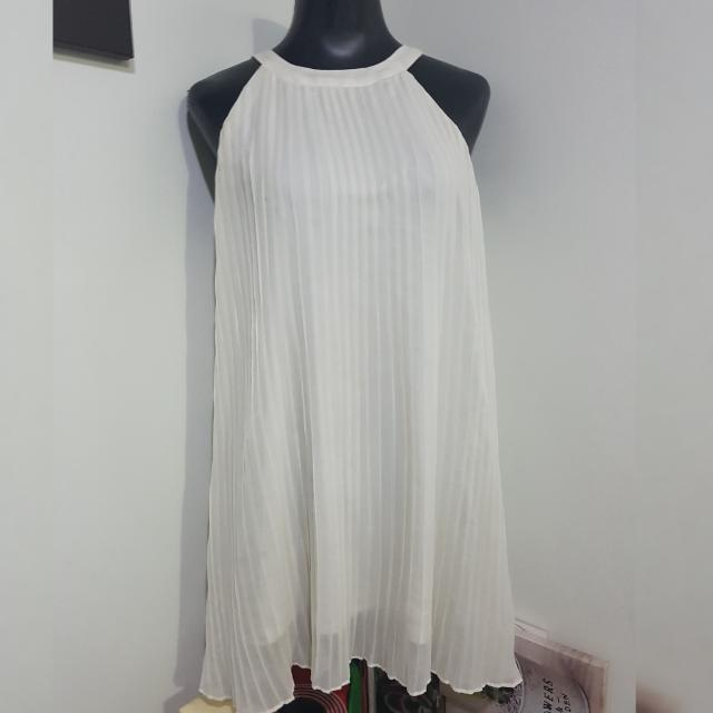CHARLOTTE RUSSE white halter pleated dress