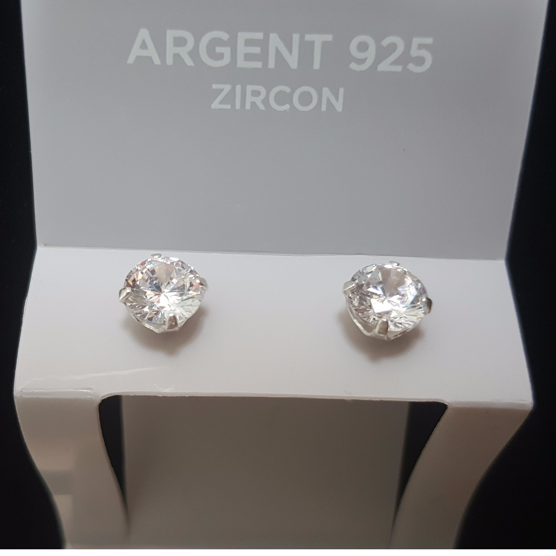 eb8f3a97f Click-Six Earring - Silver 925, Women's Fashion, Jewellery on Carousell