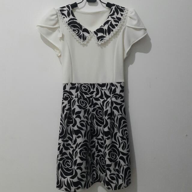 Dress Collar Corak Hitam Putih
