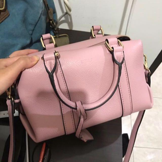 Emori Sling Bag