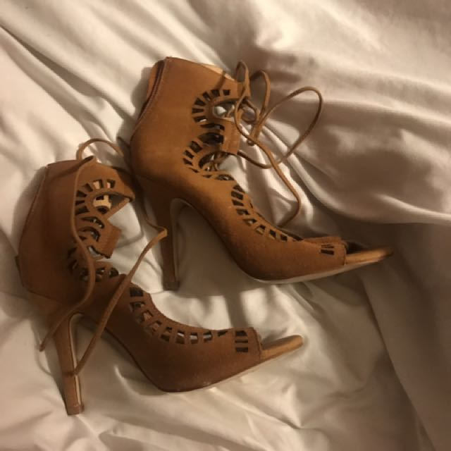 Faux Sueded Sz 7 Heels Lace Up