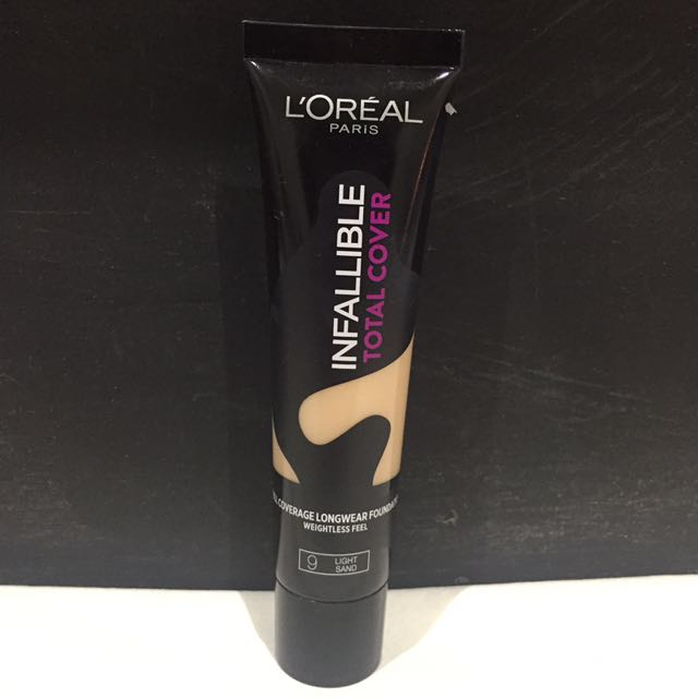 L'Oreal Infallible Total Cover Foundation in 9 Light Sand