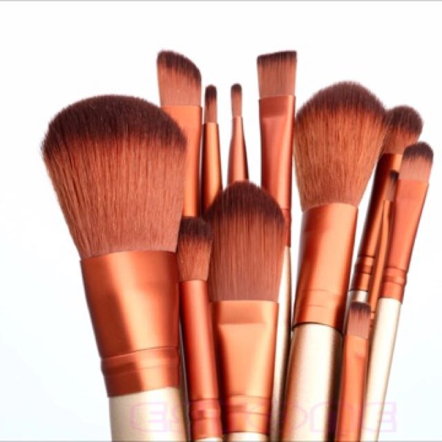 Makeup 12pcs Cosmetics Brushes Set Powder Foundation Eyeshadow Lip Brush Tool