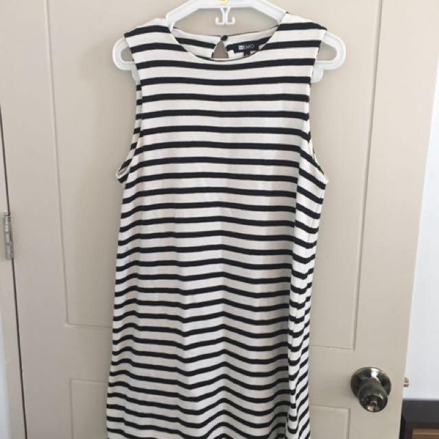 Memo Black And White Sleeveless Short Dress