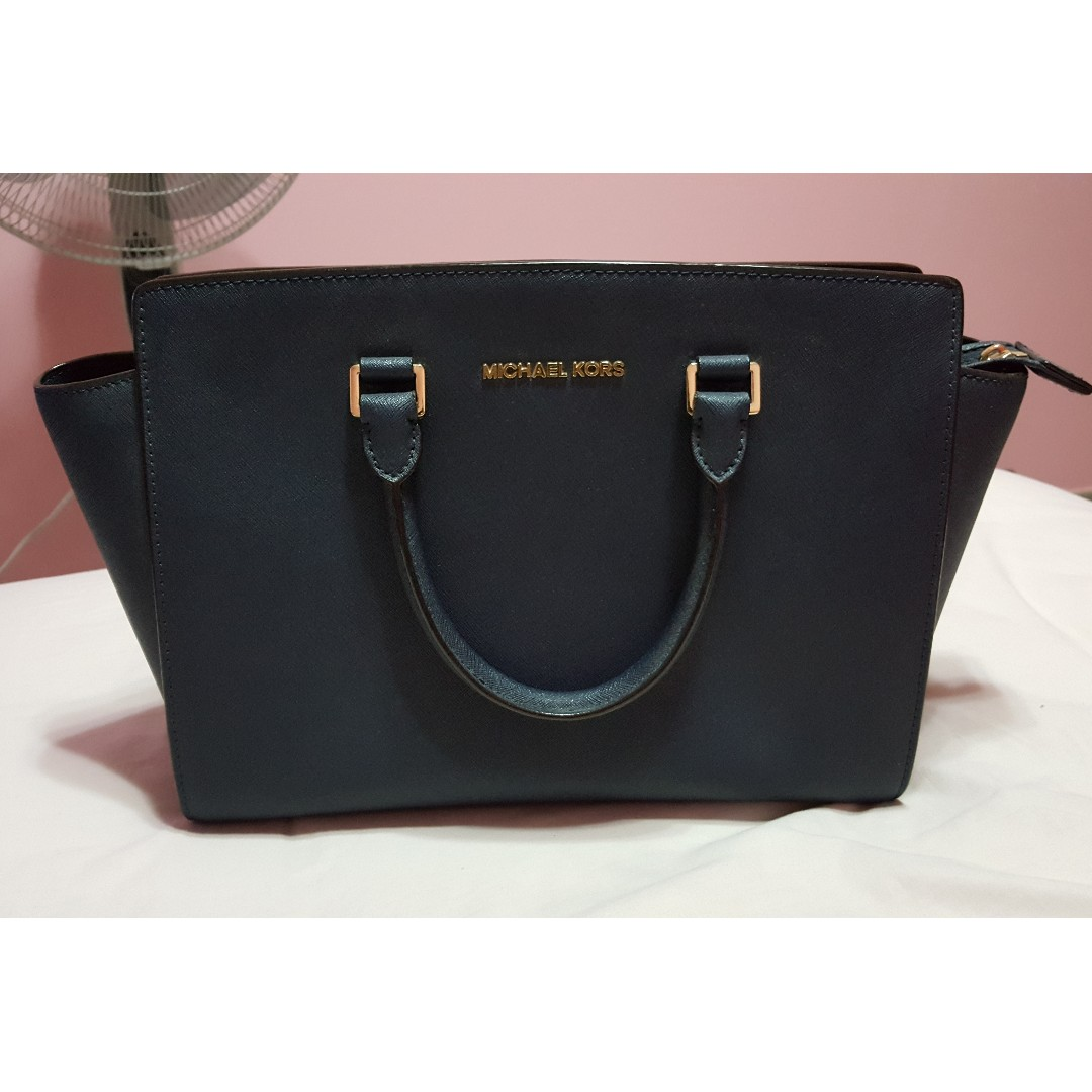 004f0d3b8fc98 Michael Kors Selma Large Saffiano Leather Satchel (Navy Blue)