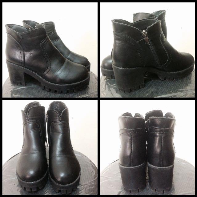 Chunky Heels Boots Hitam