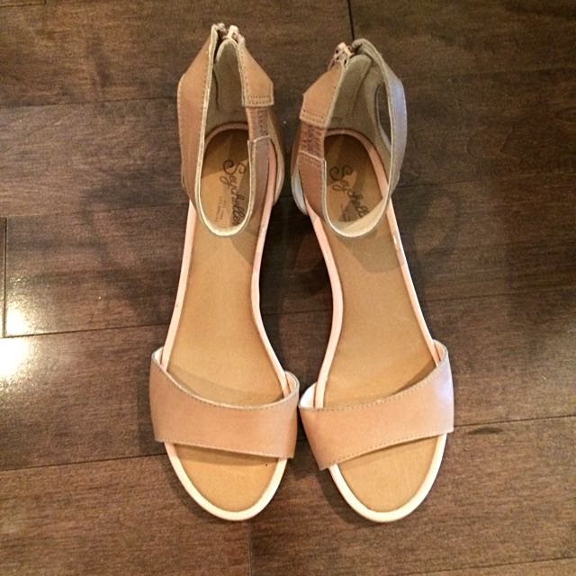 SEYCHELLES Nude Sandals