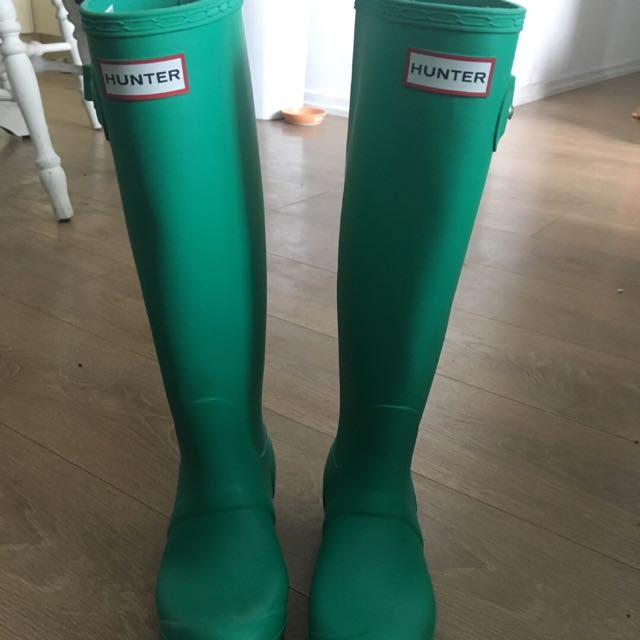 Size 5 Bright Green Hunter Rain Boots