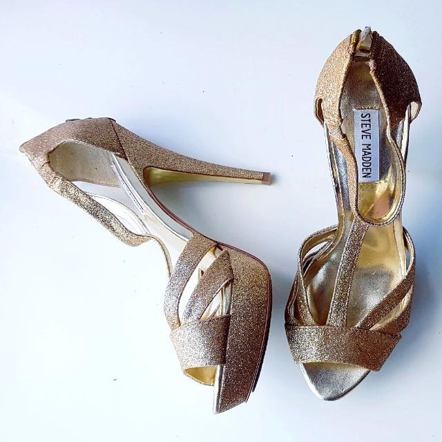 Size 9 Steve Madden Gold Sparkly Open Toe Heels