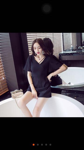 (特價!)(全新)顯瘦雪紡V領黑色連身短褲 #兩百元短褲 #兩百元雪紡