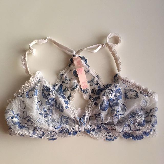 Victoria's Secret Small Front Clasp Lace Bra