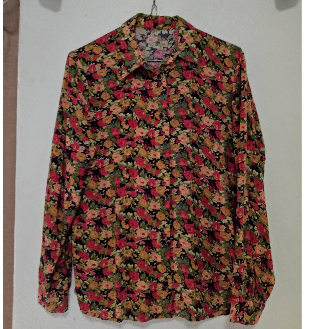 Vintage Floral Collared Shirt (So Cool!!)