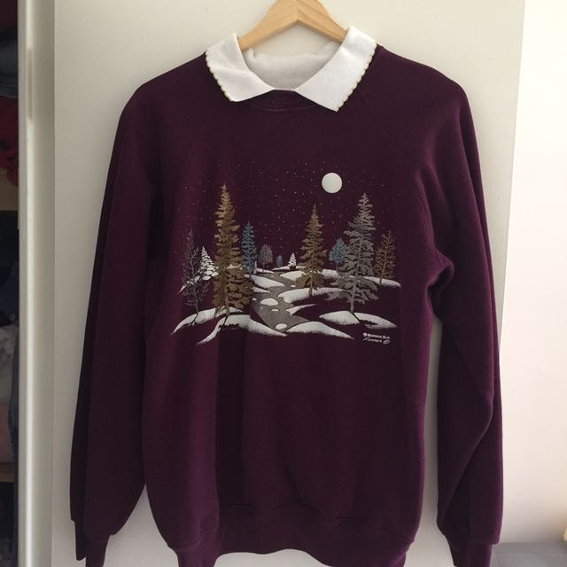 Vintage Holiday Sweater With Scalloped Collar