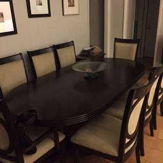 DINNING TABLE WITH ACCENT CHAIRS