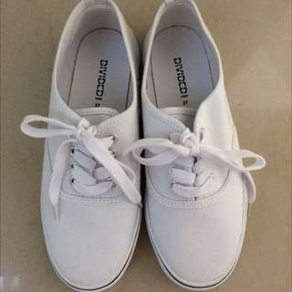 NEW!! HNM Divided White Canvas Shoes