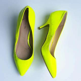 Size 9.5 Maddona's Material Girl Pumps In Fluorescent Yellow