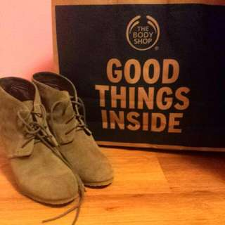 Green Wedged Boots