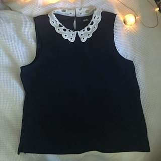 CUTE TOP W LACE COLLAR