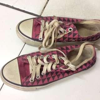 Sepatu Uniqlo