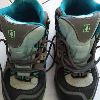 Sepatu Gunung Consina Alpine