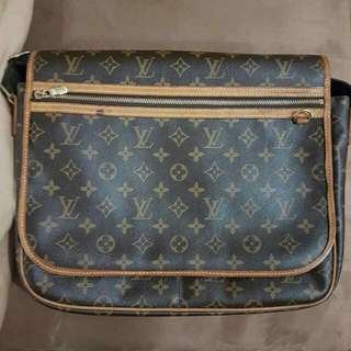 REPRICED! LV messenger bag Authentic
