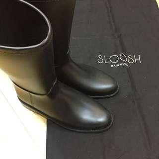 微風購入 義大利雨靴品牌 SLOOSH 中筒雨靴