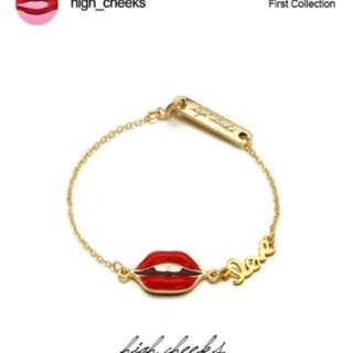 韓國免稅代購 highcheeks 人氣流行飾品  立體紅唇金屬字母Love手環 手鍊 預購