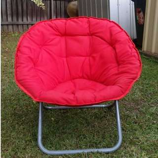 FOLDABLE RED COTTON CHAIR