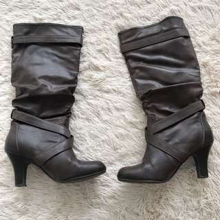 Women Brown Knee High Boots Size 6