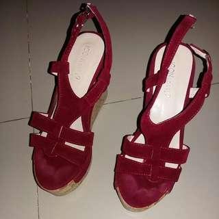 sepatu sendal merah