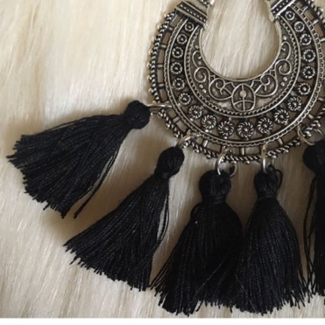 MISS MARTINI BLACK TASSLE EARRINGS