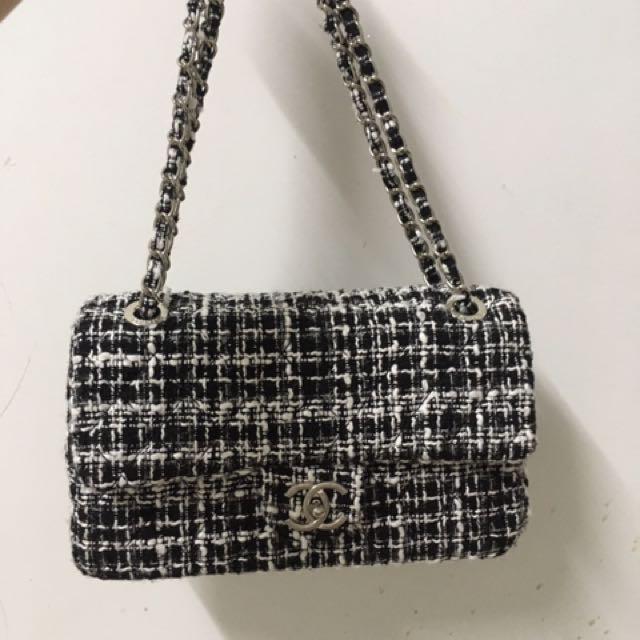Chanel Tweed Flap Bag Medium