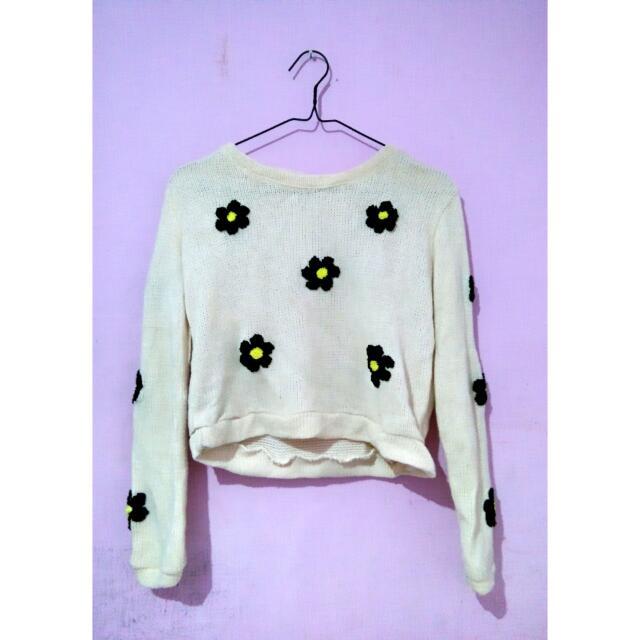 Daisy Broken White Sweater