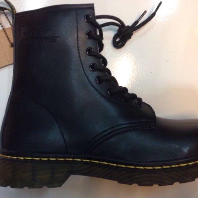 Dr. Martens Shoes 💯