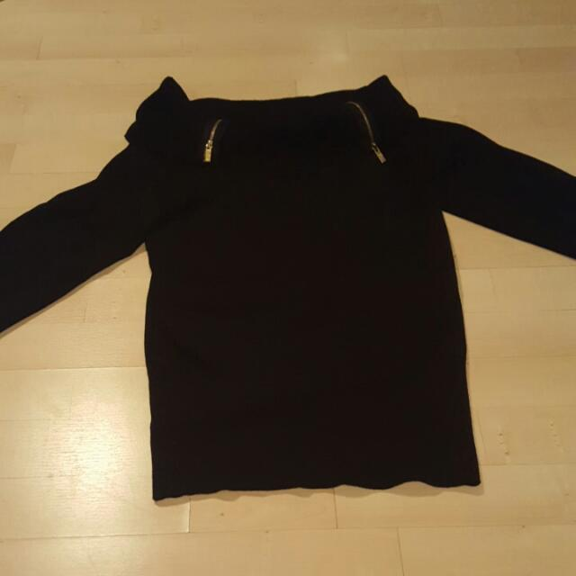 Guess Large Size Over The Shoulder Black Long Sleeve