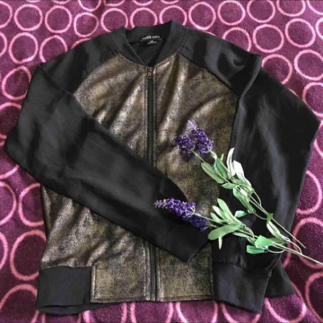 Jacket / Cardigan