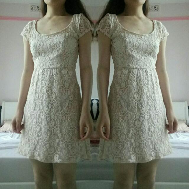 JAYJAYS Blush Floral Lace Dress