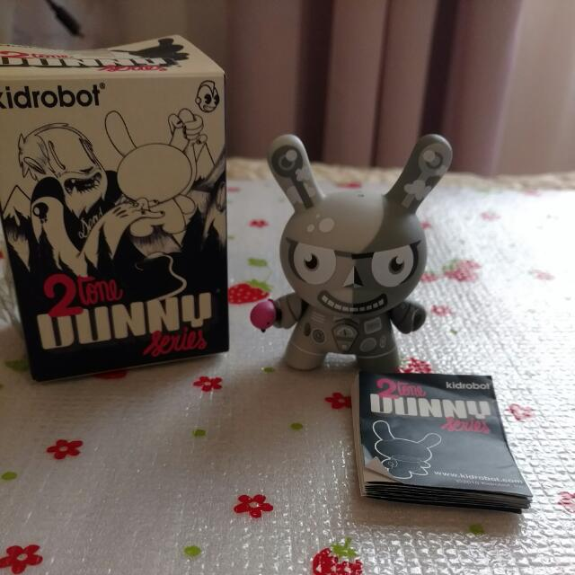 Kidrobot Dunny