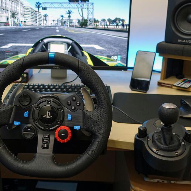Logitech G29 + Shifter, Electronics, Computer Parts