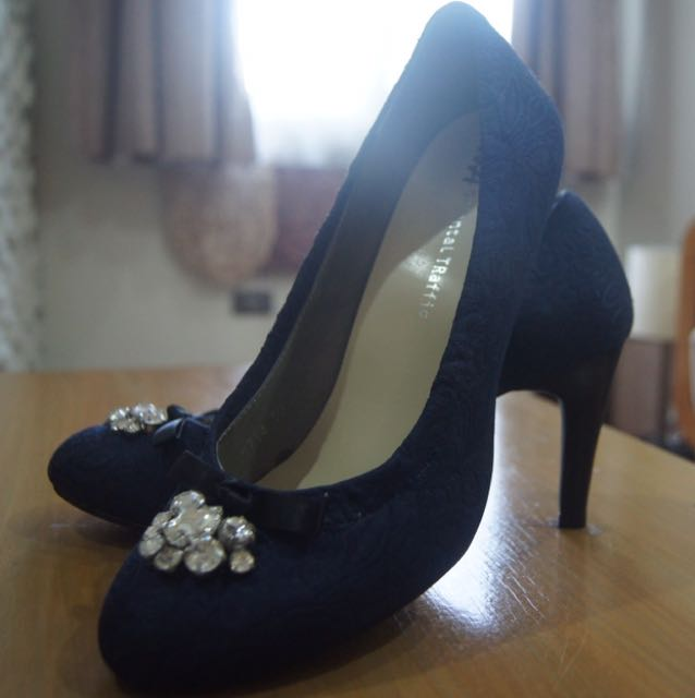 Navy Blue Stiletoe