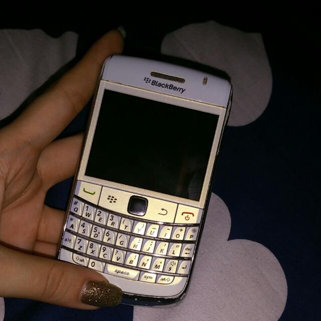 ONYX blackberry White