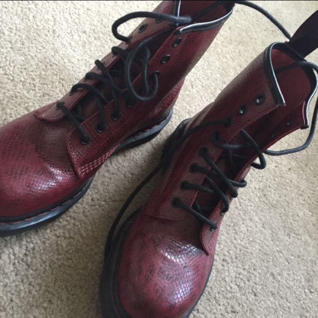 Rare Dr. Martens 8 Eye Boots