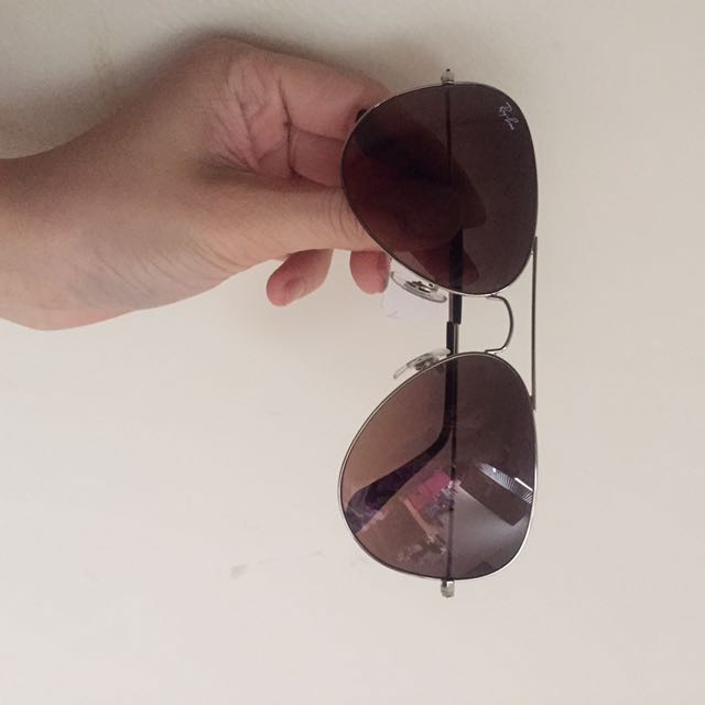 Ray Bans Aviators with case/lens cleaner/cloth