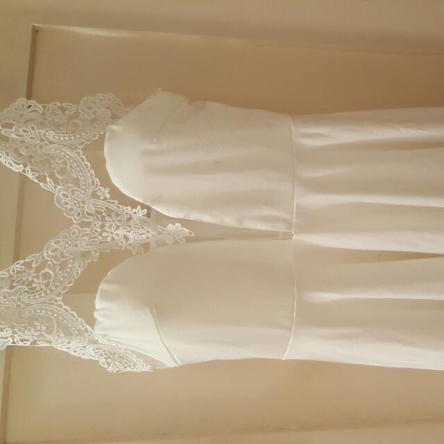Stunning White Cocktail dress