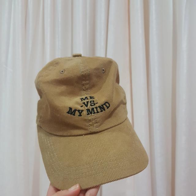topi public culture / baseball cap