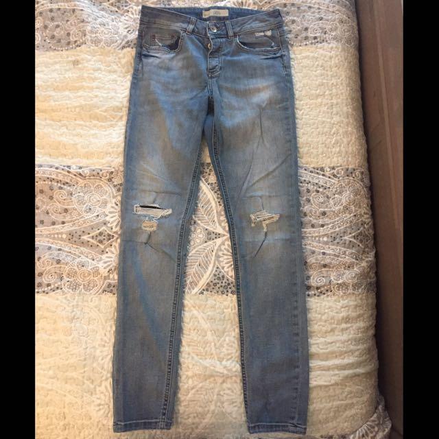 Topshop 'Lacey' Distressed Boyfriend Jeans