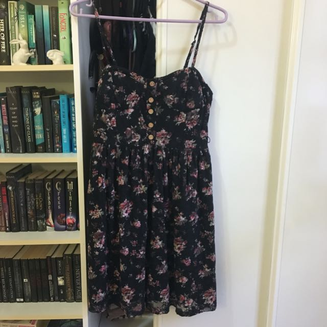 Valleygirl Black Floral Dress size L