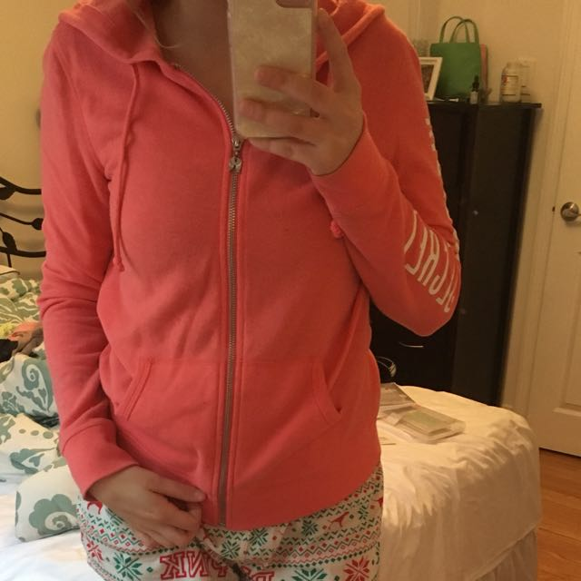 PRICEDROP Victoria Secret Sweater XS $10