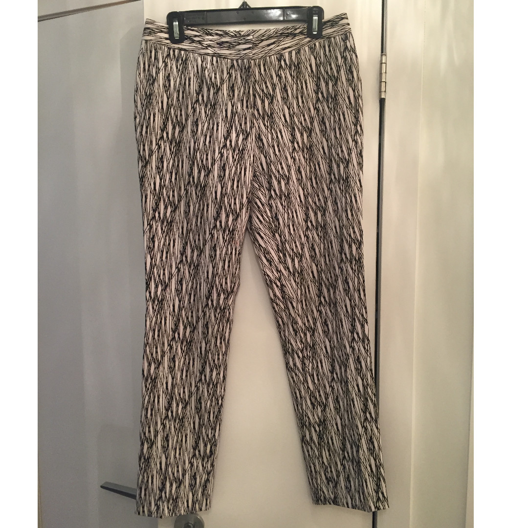 Vince Camuto Printed Pants - Size 2 (fits like a 4)