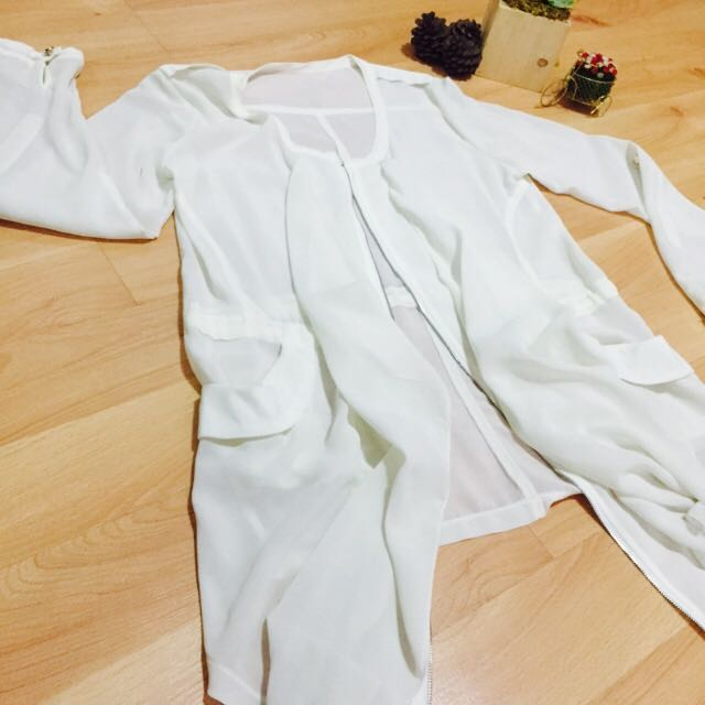 White Cover Top